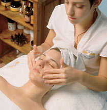 aromatherapeutic facial massage